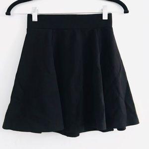 NWOT H&M Black Skater Mini Skirt